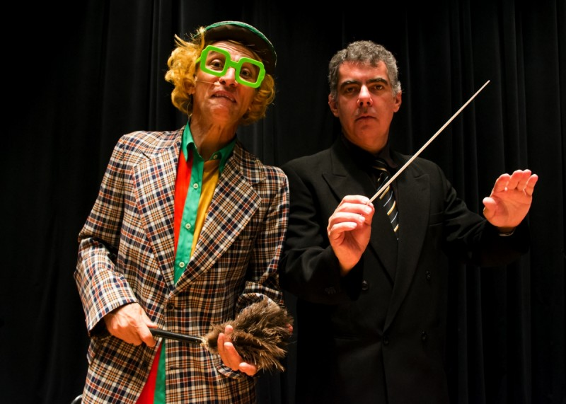 Ator Romualdo Sarcedo com instrumentista Luiz Fernando