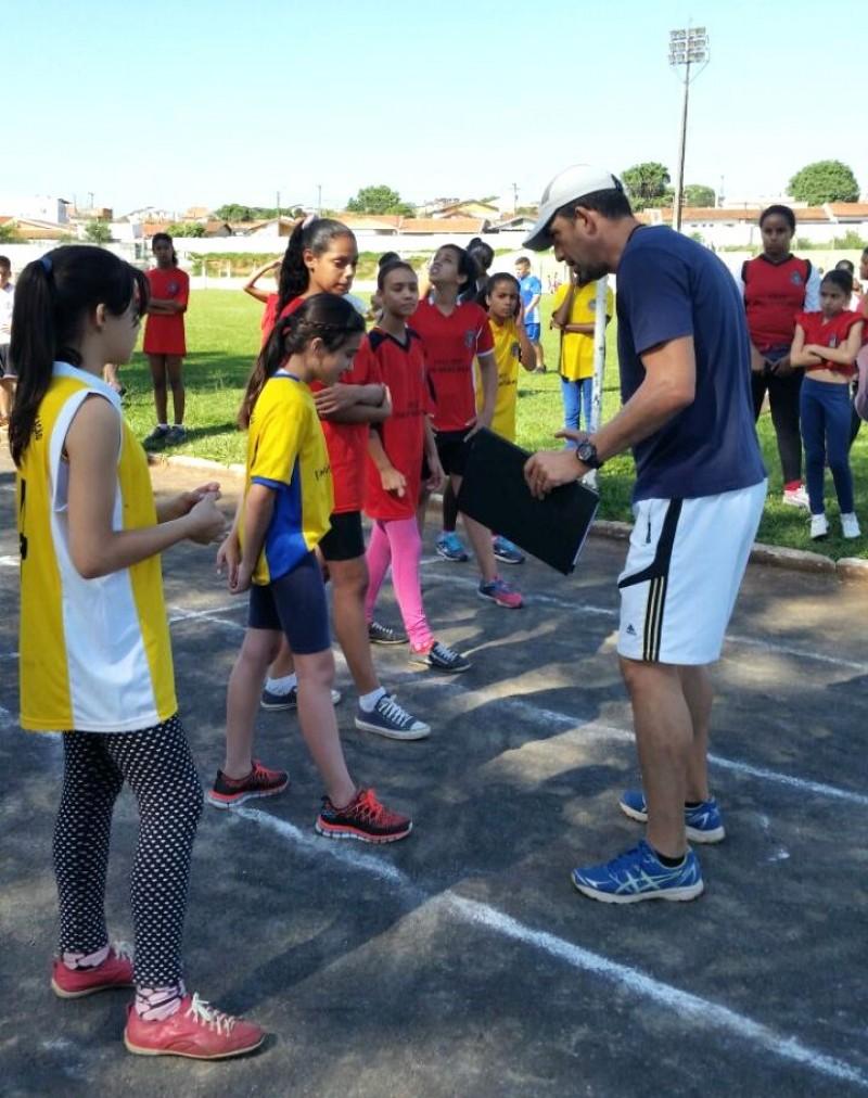 Jogos Estudantis movimentaram centenas de alunos