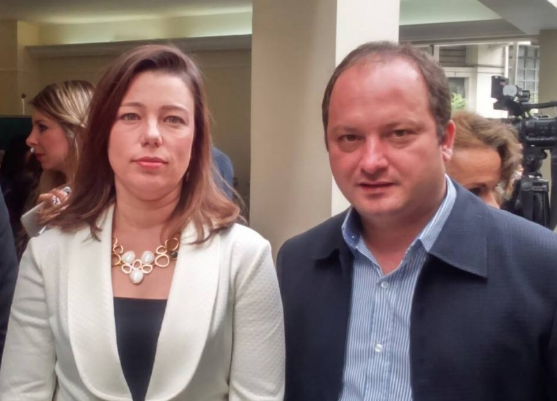 Promotora Alexandra Facciolli e Juca Bortolucci